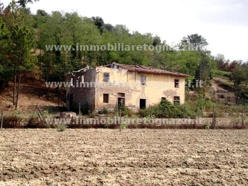 Rustico / Casale in vendita a San Miniato, 10 locali, prezzo € 360.000 | CambioCasa.it