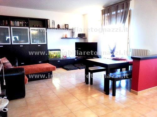 Appartamento in vendita a Gambassi Terme, 4 locali, prezzo € 200.000 | Cambio Casa.it