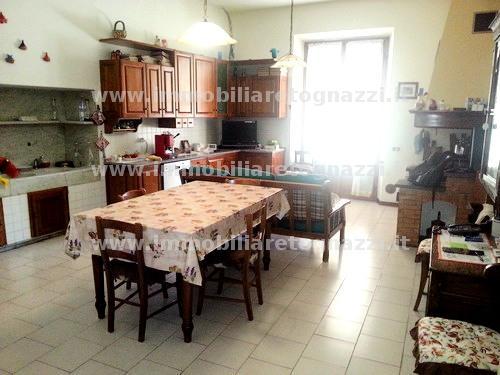 Appartamento in vendita a Certaldo, 6 locali, prezzo € 395.000 | CambioCasa.it