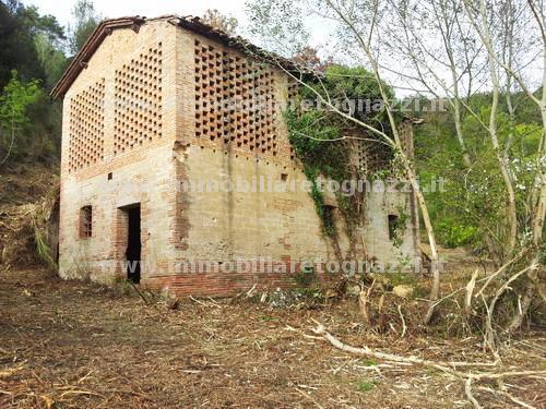 Rustico / Casale in vendita a San Miniato, 10 locali, prezzo € 280.000 | Cambio Casa.it