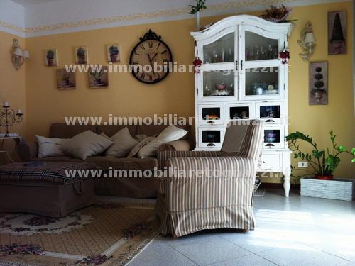 Appartamento in vendita a Gambassi Terme, 4 locali, prezzo € 190.000 | Cambio Casa.it