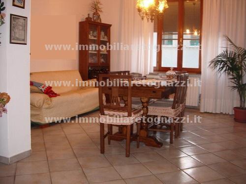 Appartamento in vendita a Certaldo, 5 locali, prezzo € 140.000 | Cambio Casa.it