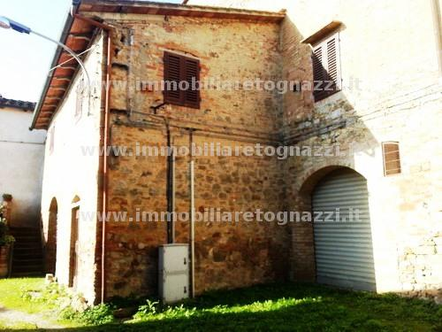 Rustico / Casale in vendita a Gambassi Terme, 10 locali, prezzo € 400.000 | Cambio Casa.it