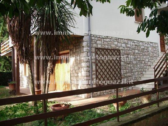 Villa in Vendita a Pomarance