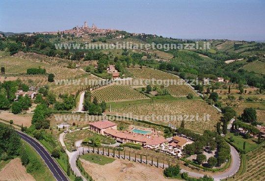 Albergo in vendita a San Gimignano, 10 locali, Trattative riservate | Cambio Casa.it