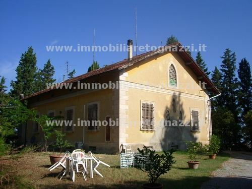 Villa in vendita a Gambassi Terme, 10 locali, prezzo € 500.000 | Cambio Casa.it