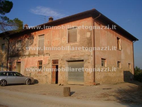 Rustico / Casale in vendita a San Gimignano, 10 locali, prezzo € 290.000 | Cambio Casa.it