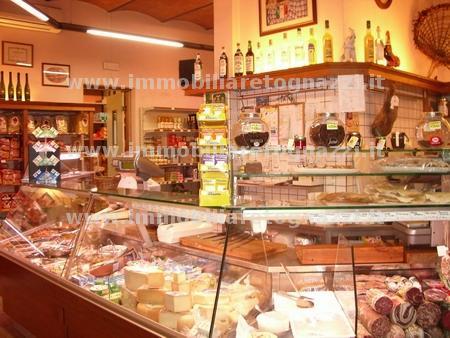 Attività / Licenza in vendita a Certaldo, 2 locali, Trattative riservate | Cambio Casa.it