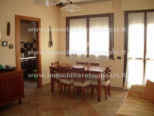 Appartamento in vendita a Certaldo, 4 locali, prezzo € 195.000 | CambioCasa.it