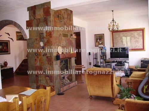 Appartamento in vendita a Certaldo, 6 locali, prezzo € 240.000   Cambio Casa.it
