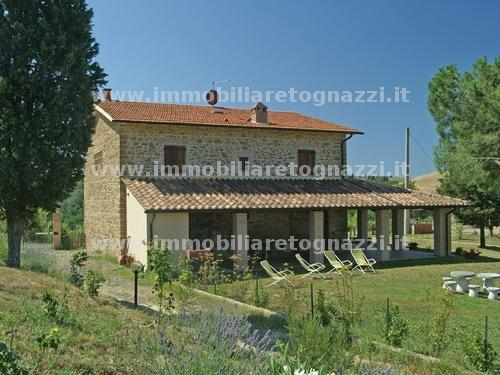 Rustico / Casale in vendita a Montaione, 8 locali, Trattative riservate | Cambio Casa.it