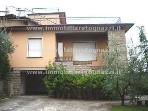 Villa in vendita a Castelfiorentino, 8 locali, Prezzo trattabile | CambioCasa.it