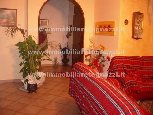 Appartamento in vendita a Certaldo, 4 locali, prezzo € 210.000 | CambioCasa.it