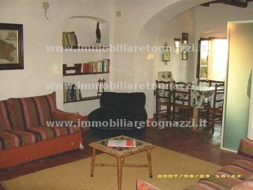 Appartamento in vendita a Montaione, 3 locali, prezzo € 175.000 | Cambio Casa.it