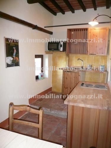 Appartamento in vendita a Montaione, 2 locali, prezzo € 170.000 | Cambio Casa.it