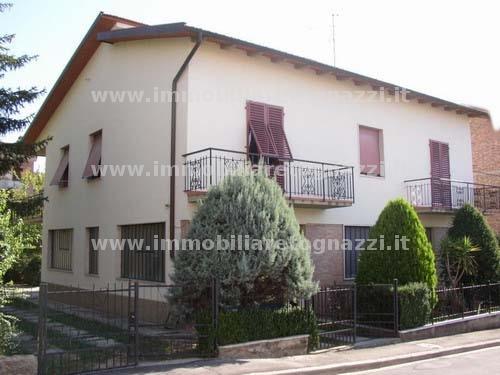 Villa in vendita a Certaldo, 6 locali, Trattative riservate | CambioCasa.it
