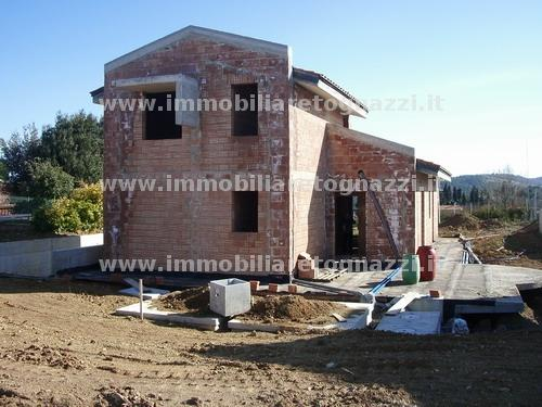 Villa in vendita a Gambassi Terme, 7 locali, prezzo € 260.000 | CambioCasa.it