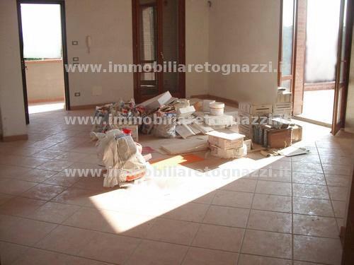 Appartamento in vendita a San Gimignano, 4 locali, prezzo € 295.000 | Cambio Casa.it