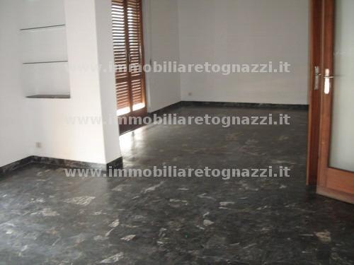Appartamento in vendita a Castelfiorentino, 6 locali, prezzo € 95.000 | Cambio Casa.it