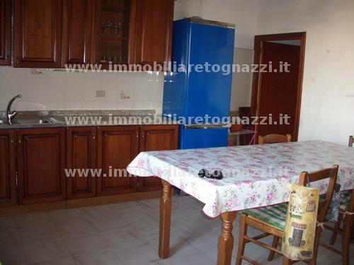 Appartamento in vendita a Certaldo, 4 locali, prezzo € 170.000 | Cambio Casa.it