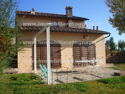 Rustico / Casale in vendita a Montespertoli, 4 locali, prezzo € 550.000 | CambioCasa.it