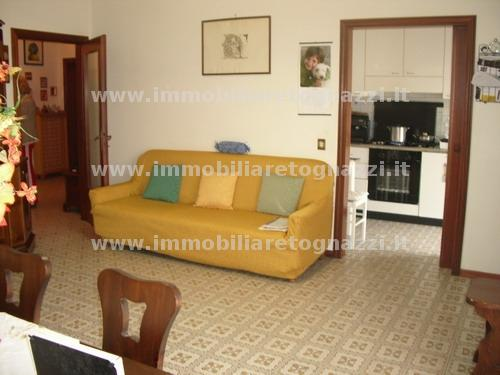 Appartamento in vendita a Gambassi Terme, 4 locali, prezzo € 120.000 | Cambio Casa.it