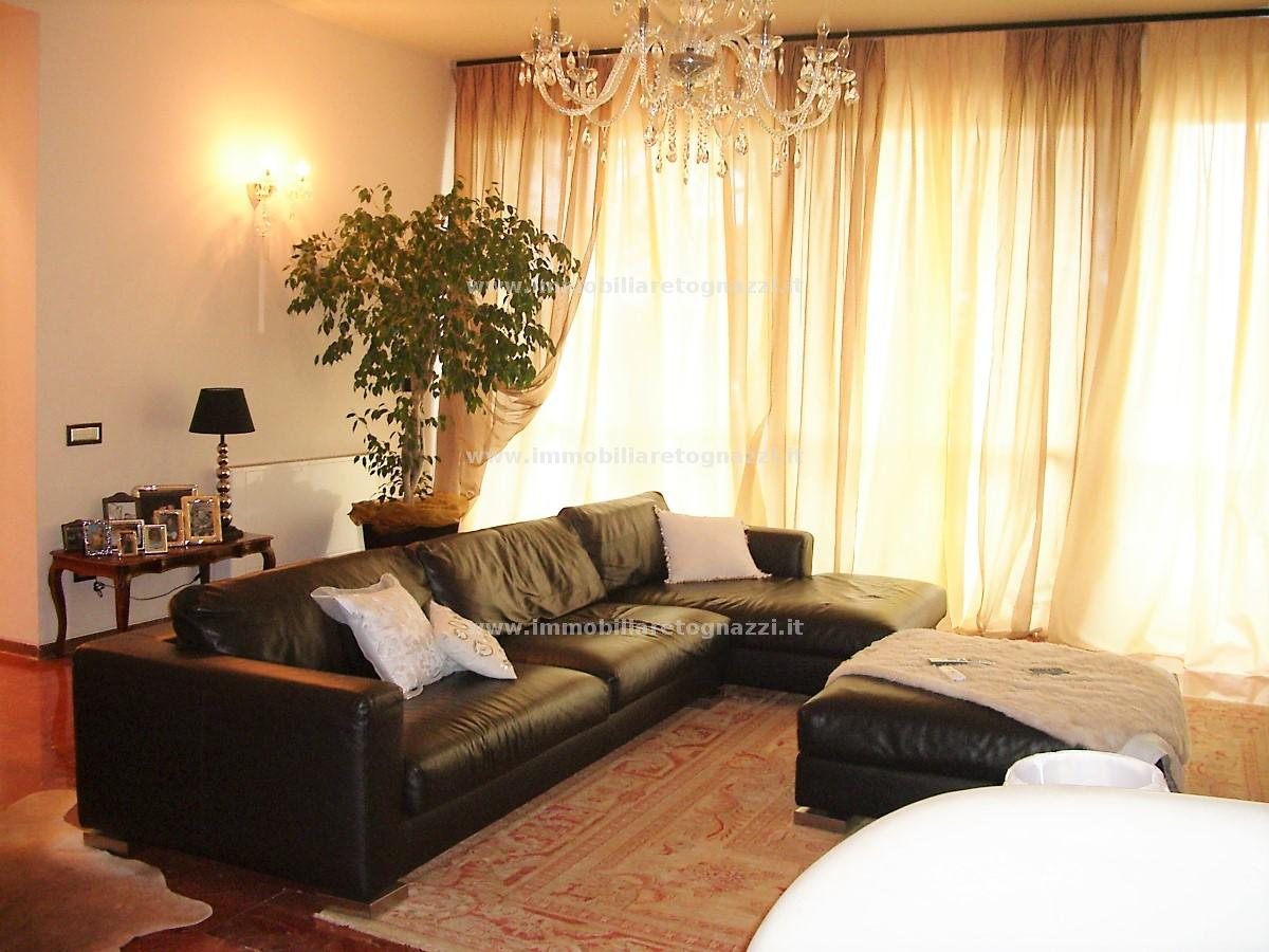 Attico / Mansarda in vendita a Gambassi Terme, 6 locali, prezzo € 375.000 | PortaleAgenzieImmobiliari.it