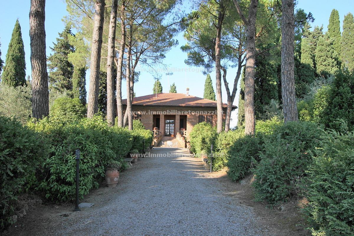 Vai alla scheda: Villa singola Vendita - San Gimignano (SI) - Codice -81004