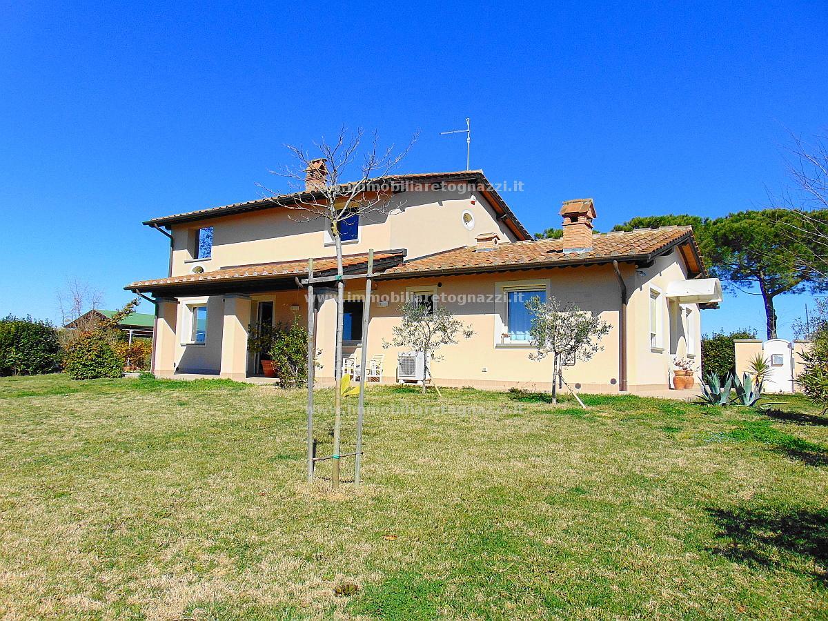 Villa Bifamiliare in Vendita a Cerreto Guidi
