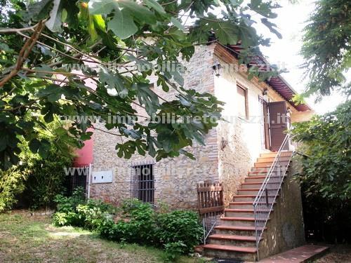 Vai alla scheda: Villa a schiera Vendita - San Gimignano (SI) - Codice 140710