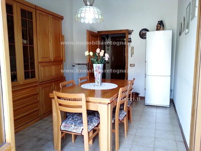 Appartamento in vendita a Castelfiorentino, 4 locali, prezzo € 160.000 | CambioCasa.it