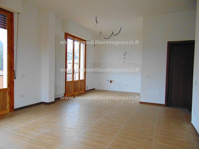 Appartamento in vendita a Castelfiorentino, 4 locali, prezzo € 185.000 | CambioCasa.it