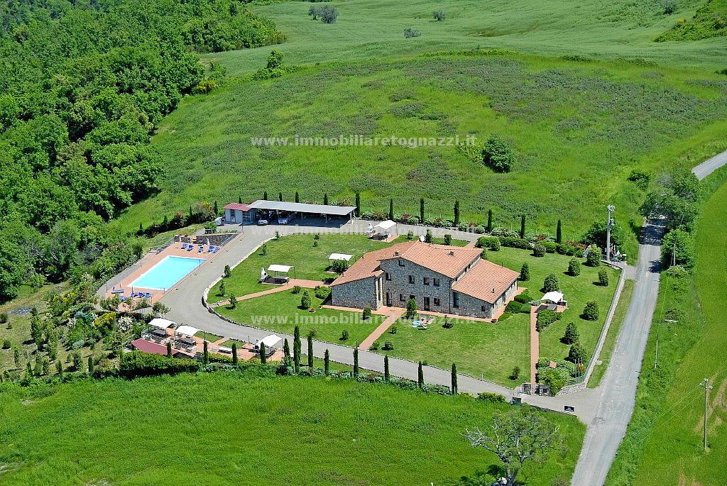 Immobile Turistico in vendita a Volterra, 10 locali, prezzo € 1.200.000 | CambioCasa.it