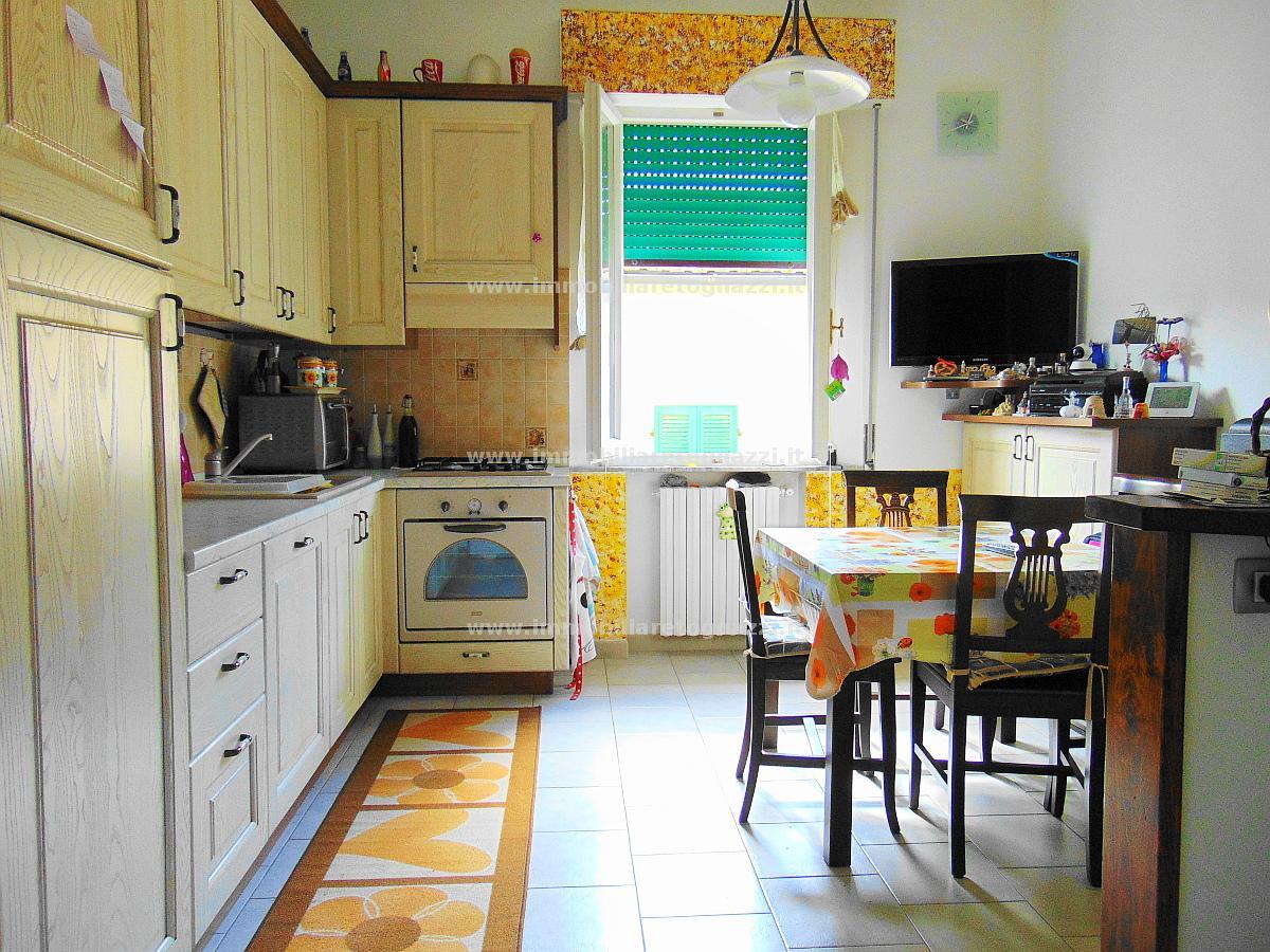 Appartamento in vendita a Castelfiorentino, 3 locali, prezzo € 115.000 | CambioCasa.it