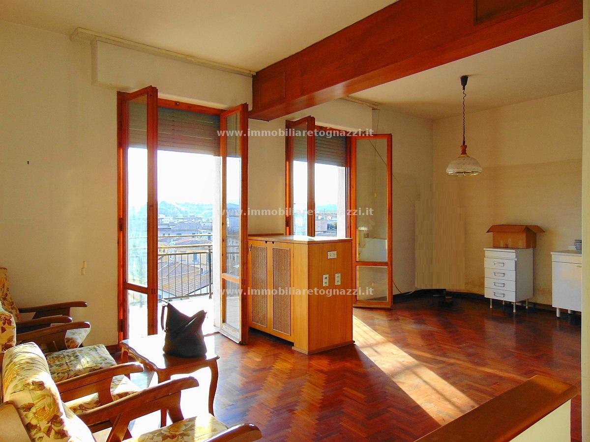Appartamento in vendita a Castelfiorentino, 3 locali, prezzo € 110.000 | CambioCasa.it