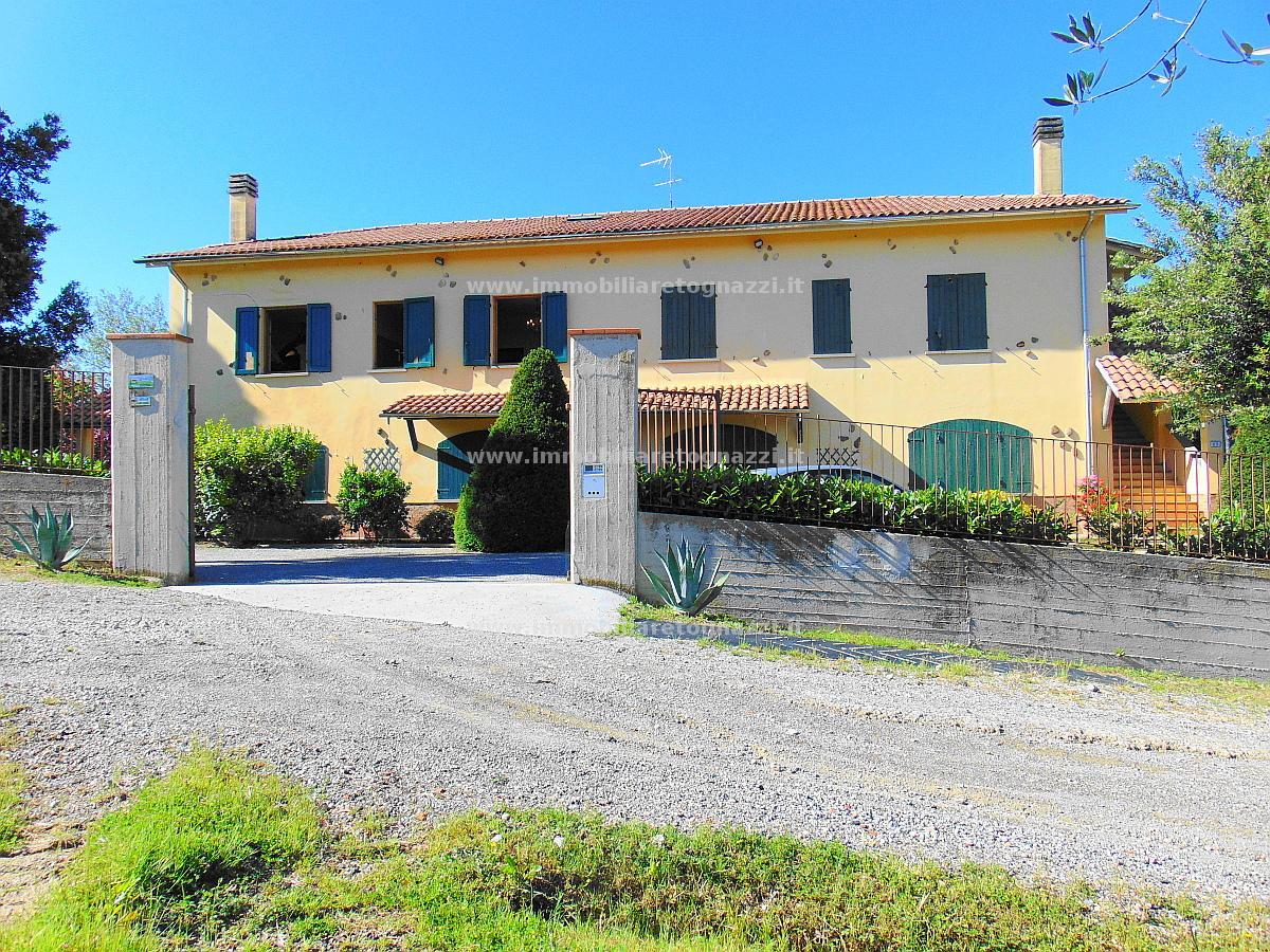 Vai alla scheda: Rustico / Casale / Corte Vendita - Castelfiorentino (FI) - Codice UN17056