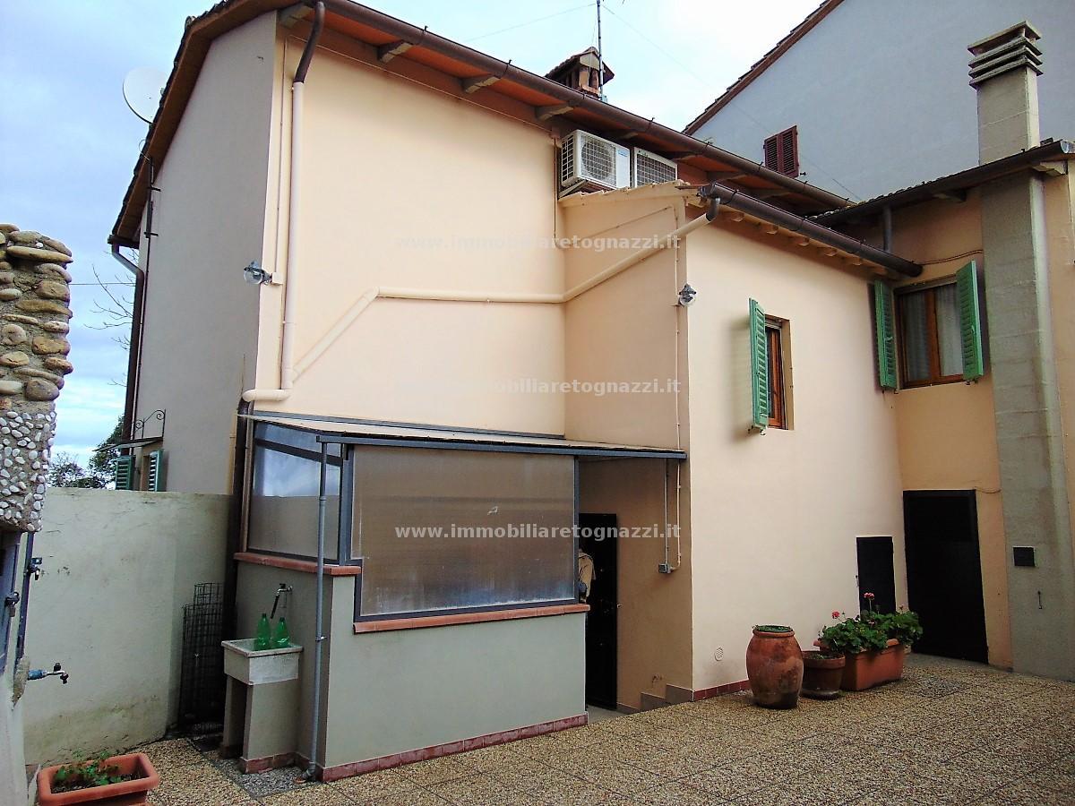 Full content: Townhouse Sell - Certaldo (FI) - Code 171211