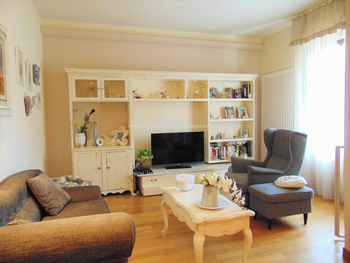 Appartamento in vendita a Gambassi Terme, 4 locali, prezzo € 210.000   PortaleAgenzieImmobiliari.it