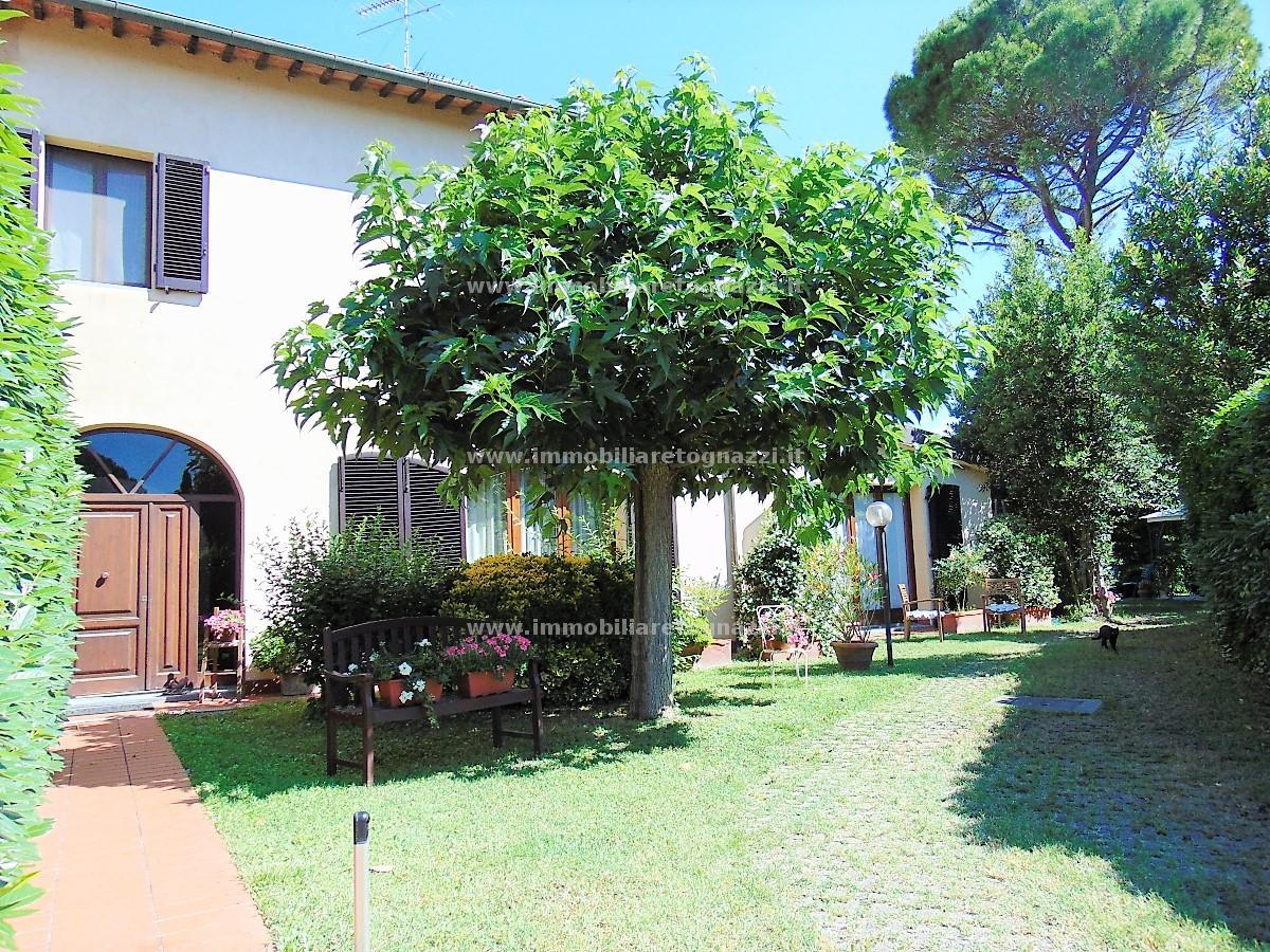 Villa a Schiera in vendita a Castelfiorentino, 6 locali, prezzo € 380.000 | CambioCasa.it