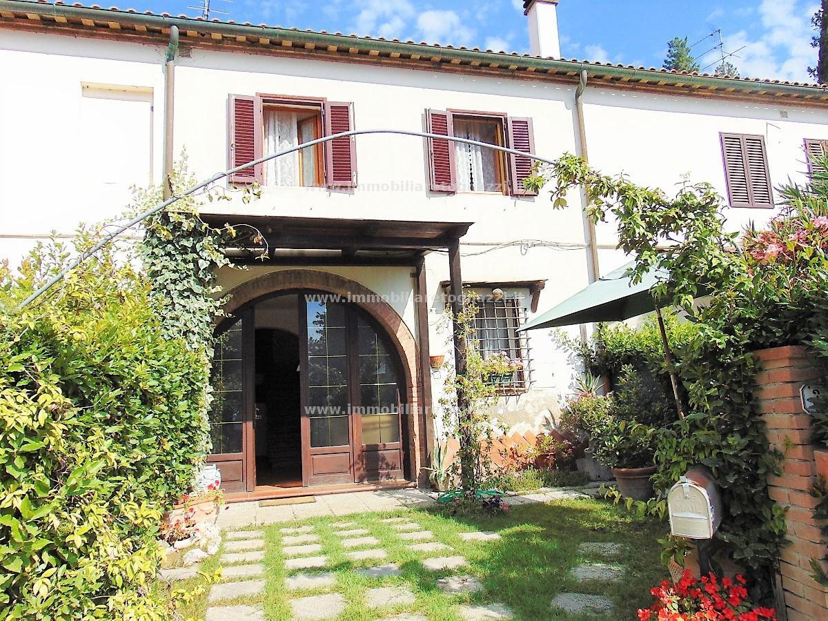 Villa a Schiera in vendita a Castelfiorentino, 4 locali, prezzo € 168.000 | CambioCasa.it