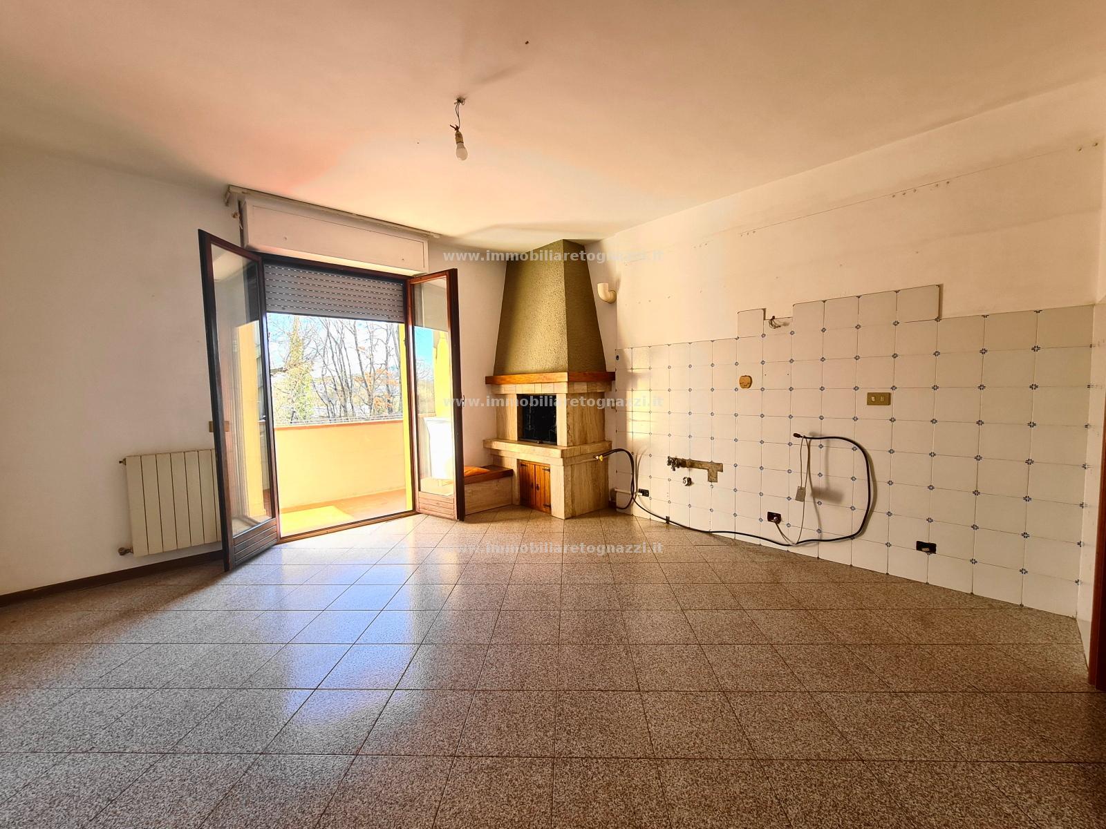 Appartamento in vendita a Gambassi Terme, 5 locali, prezzo € 225.000   PortaleAgenzieImmobiliari.it