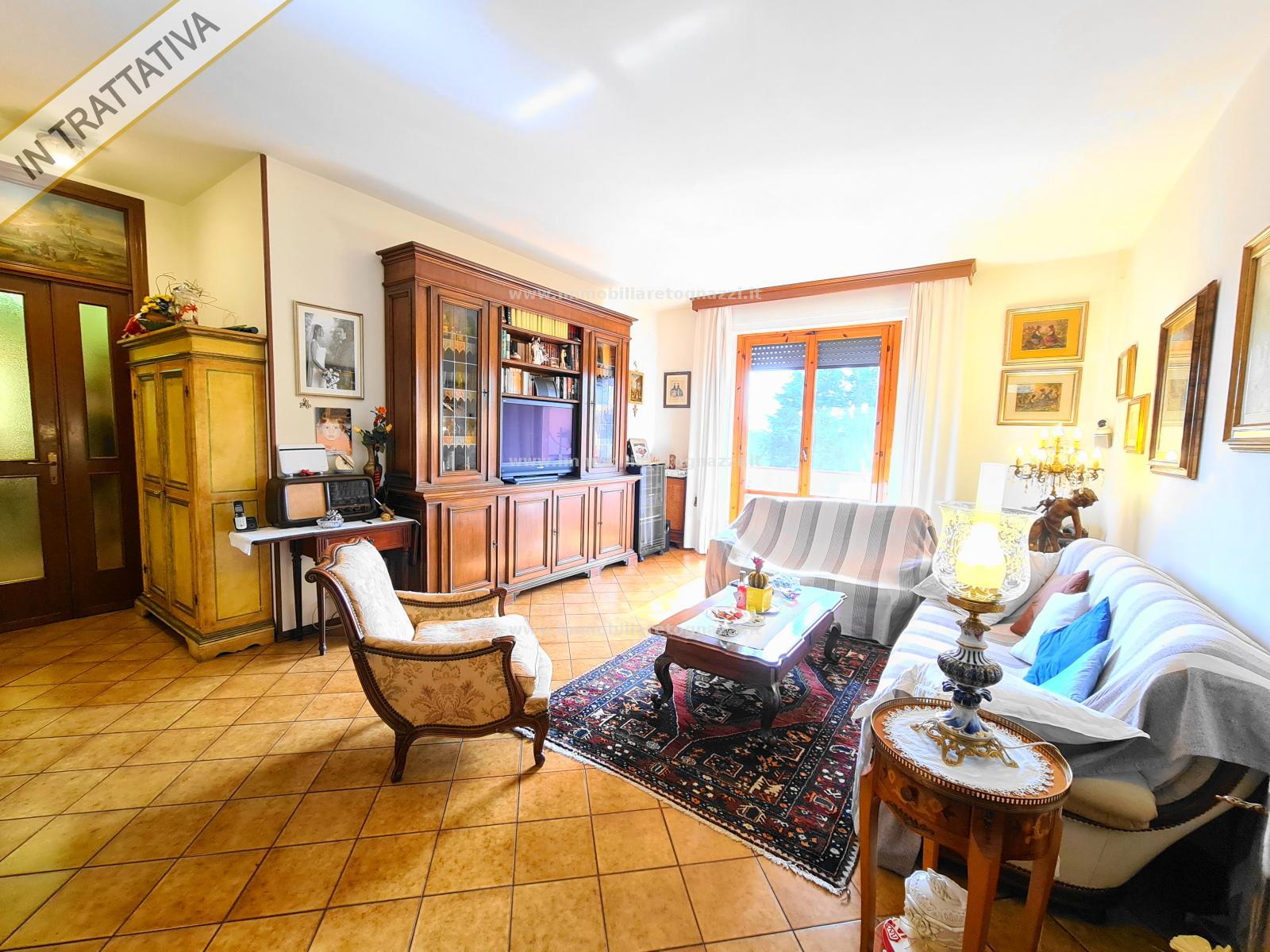 Appartamento in vendita a Certaldo, 5 locali, prezzo € 160.000 | PortaleAgenzieImmobiliari.it