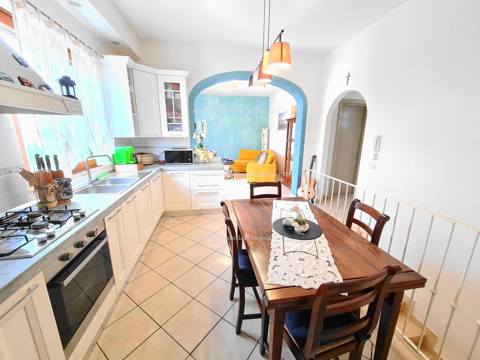 Appartamento in vendita a Gambassi Terme, 4 locali, prezzo € 160.000   PortaleAgenzieImmobiliari.it
