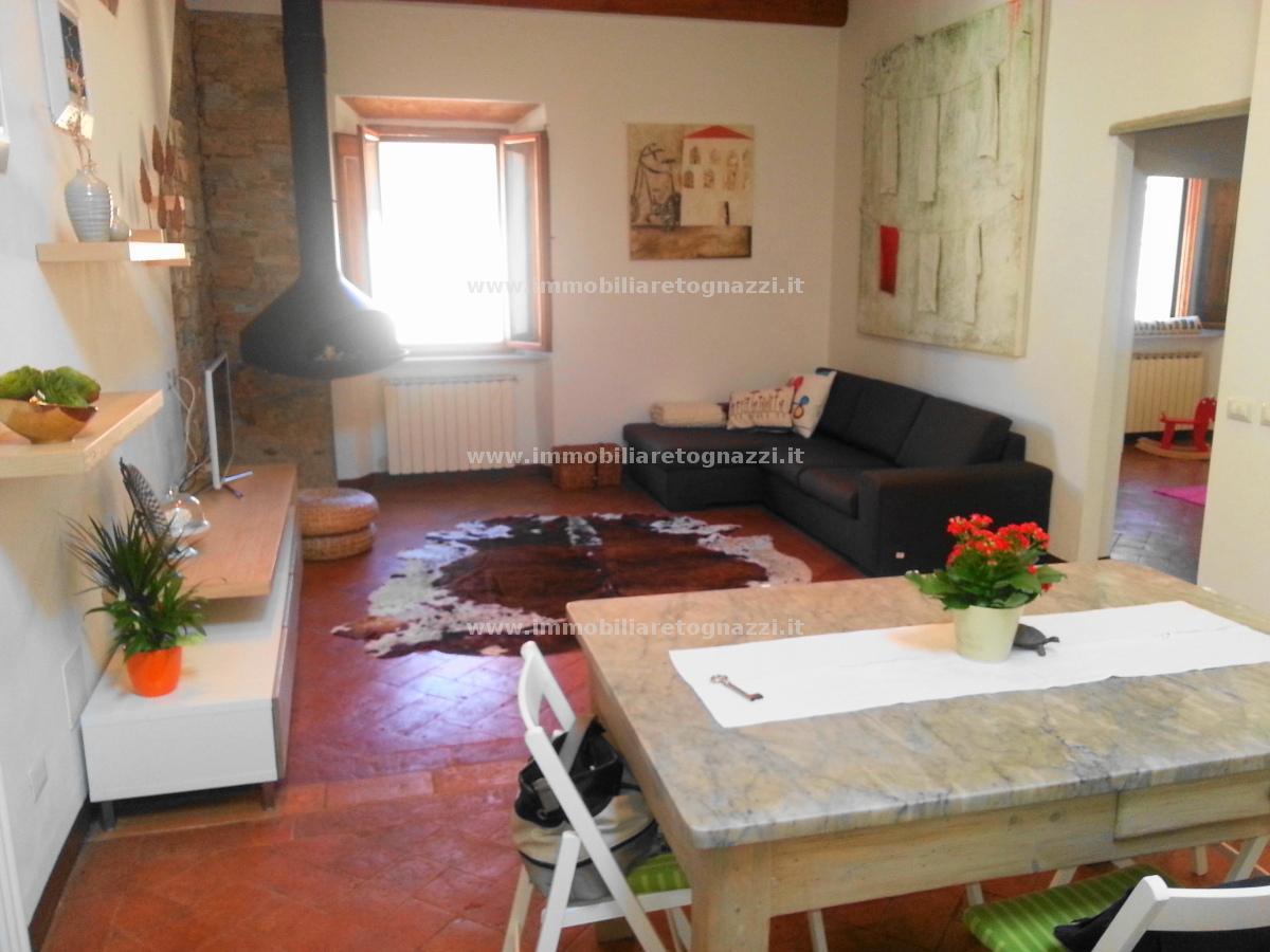 Appartamento in vendita a Montaione, 4 locali, prezzo € 165.000 | CambioCasa.it