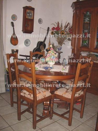 Appartamento in vendita a Certaldo, 4 locali, prezzo € 135.000   CambioCasa.it