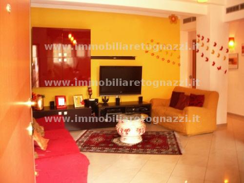 Appartamento in vendita a Castelfiorentino, 4 locali, prezzo € 120.000 | CambioCasa.it